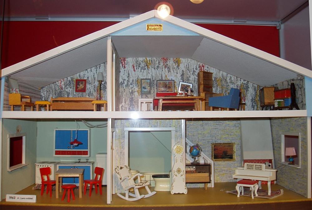 Majas docksk p brio mobilia fr n 1974 miniatyr brio for Mobilia 1970